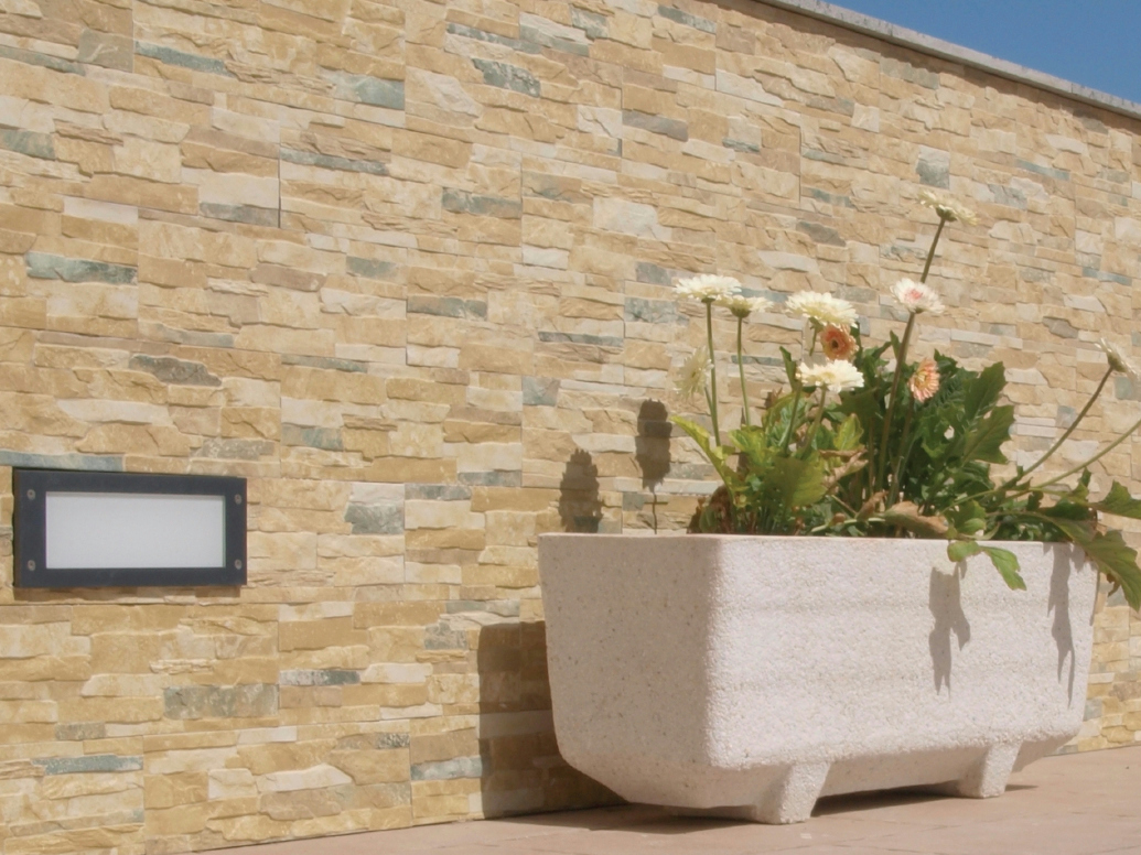 Revestimiento de pared de gres porcel nico para exterior for Ceramica para revestir paredes