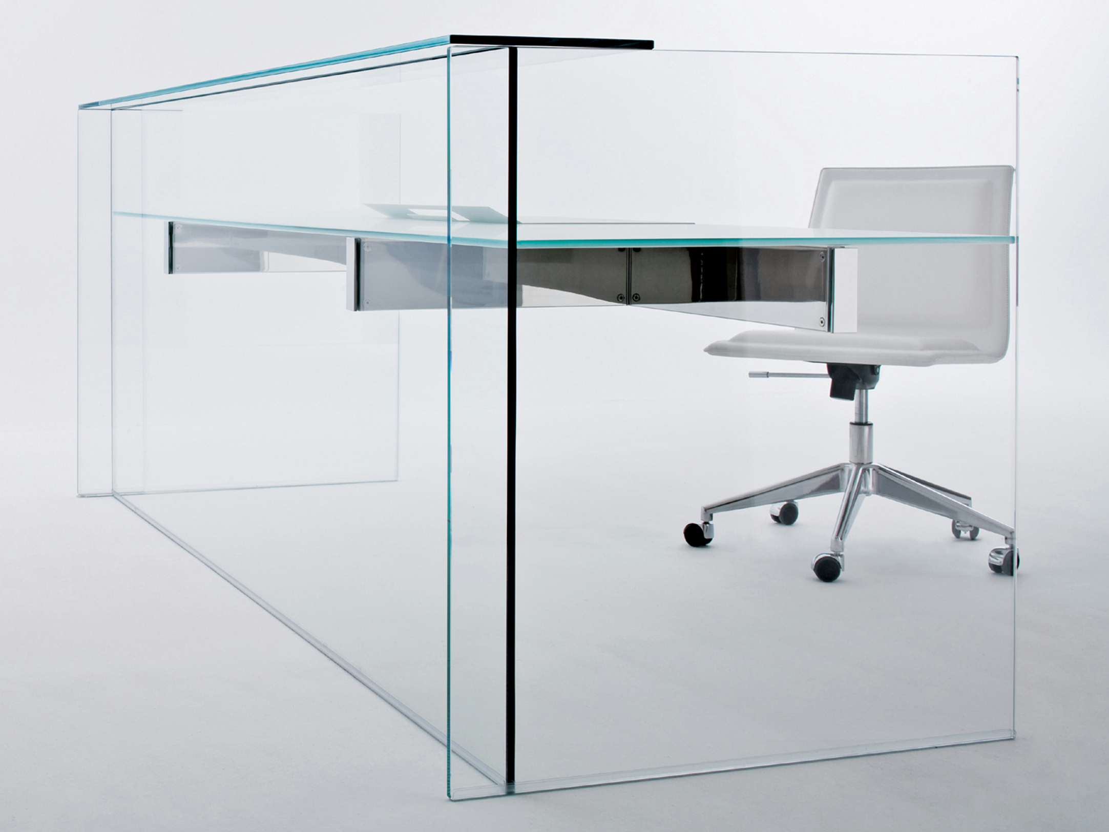 Escritorio de cristal air desk hall by gallotti radice - Escritorio de cristal ikea ...
