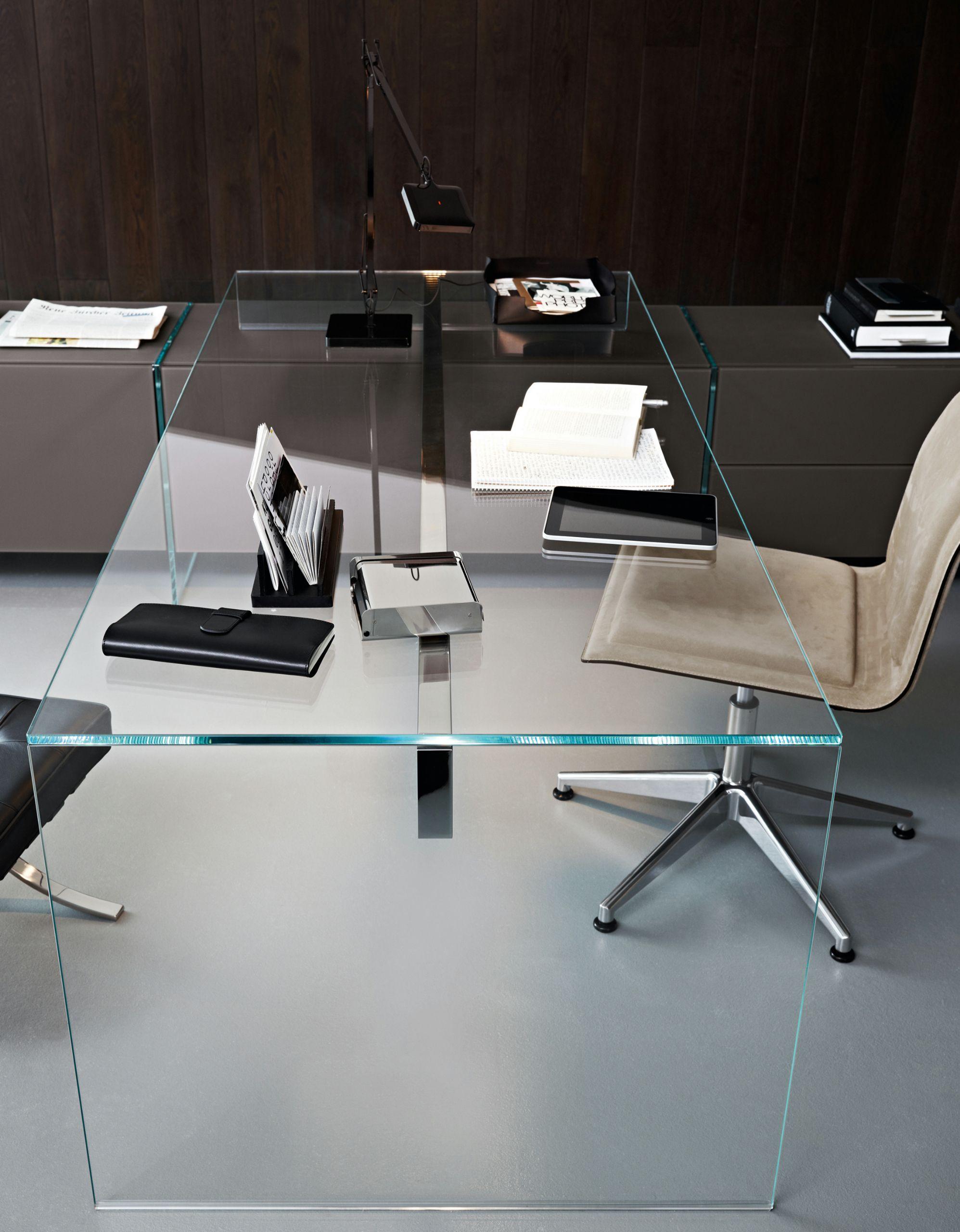 Escritorio de cristal air desk 1 by gallotti radice dise o for Escritorios para disenadores