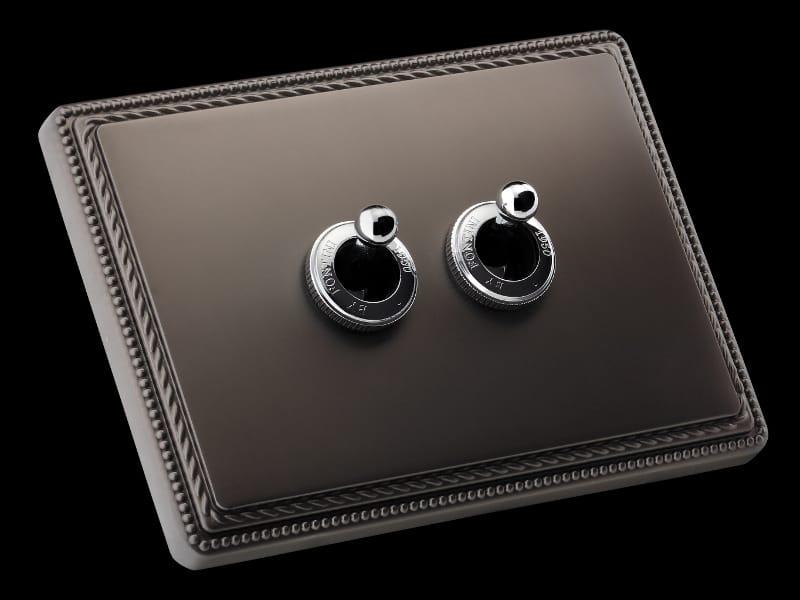 s rie plaques et interrupteurs en laiton 1950 by fontini group. Black Bedroom Furniture Sets. Home Design Ideas