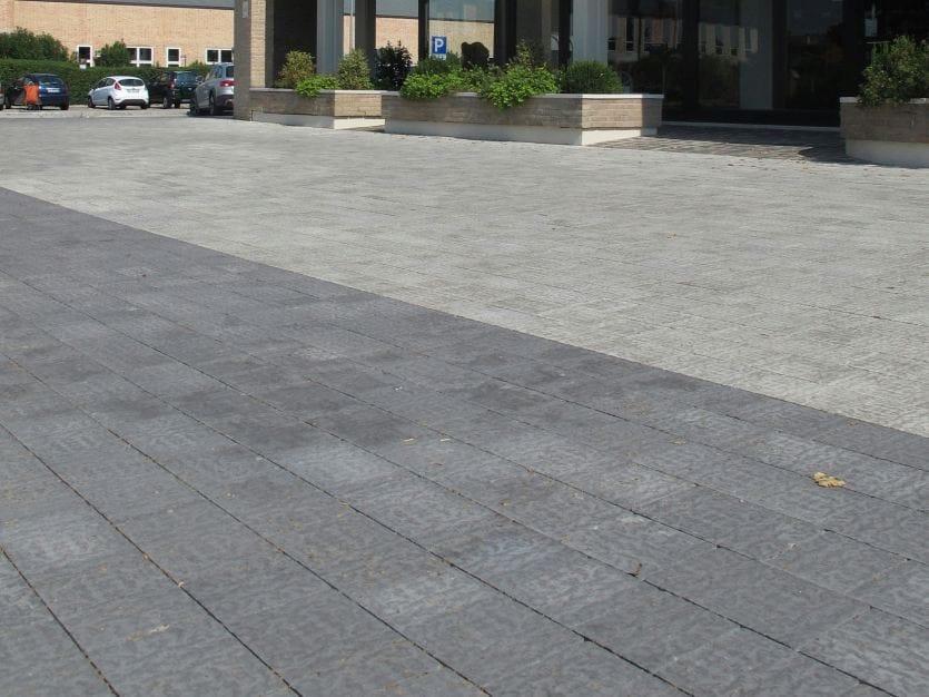 Pavimento per esterni in cemento effetto pietra antigua by for Pavimento de cemento