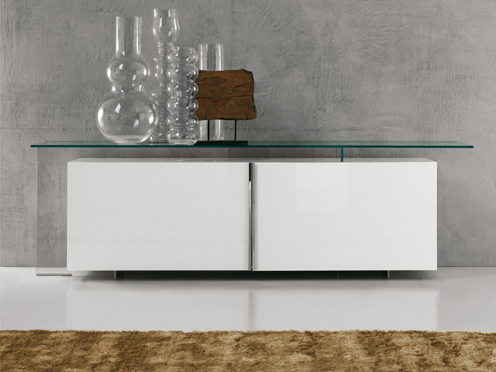 lackiertes sideboard mit schiebet ren avenue by cattelan. Black Bedroom Furniture Sets. Home Design Ideas