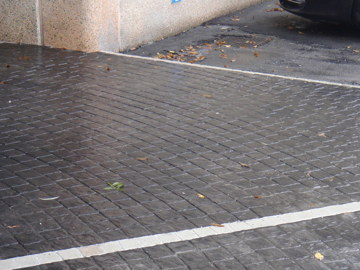 Baldosas de exterior de cemento efecto piedra lithos by for Baldosones de cemento