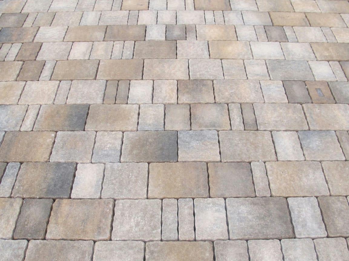 Pavimenti esterni in pietra piastrelle per esterno - Pavimento esterno cemento prezzi ...