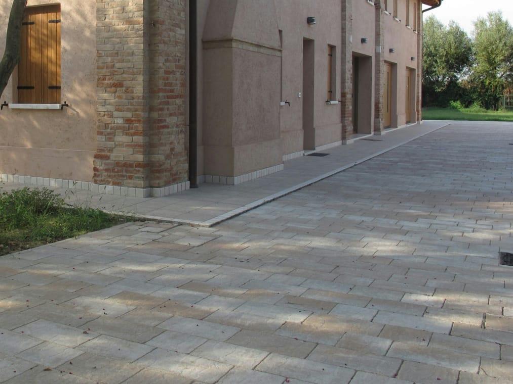 Pavimento per esterni in cemento effetto pietra borgo - Pavimento esterno cemento stampato prezzi ...