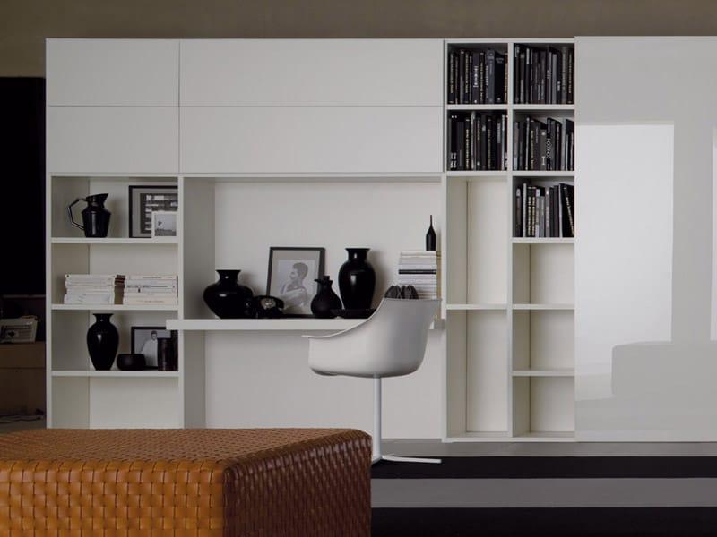 Parete attrezzata modulare one by estel group design for Mobili per sala