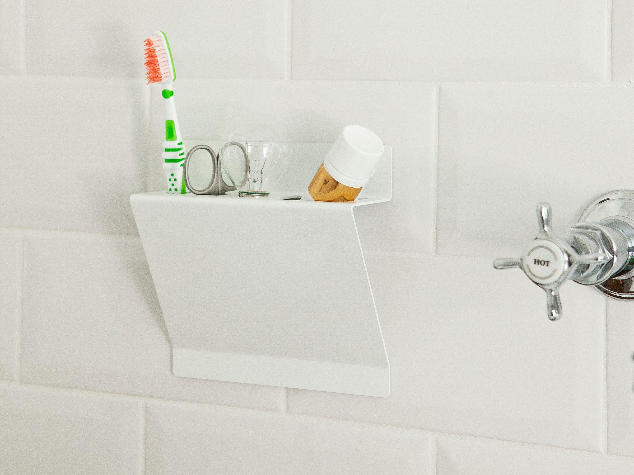 tag re murale pour salle de bain en acier line up by pulpo ursula l 39 hoste design julian appelius. Black Bedroom Furniture Sets. Home Design Ideas