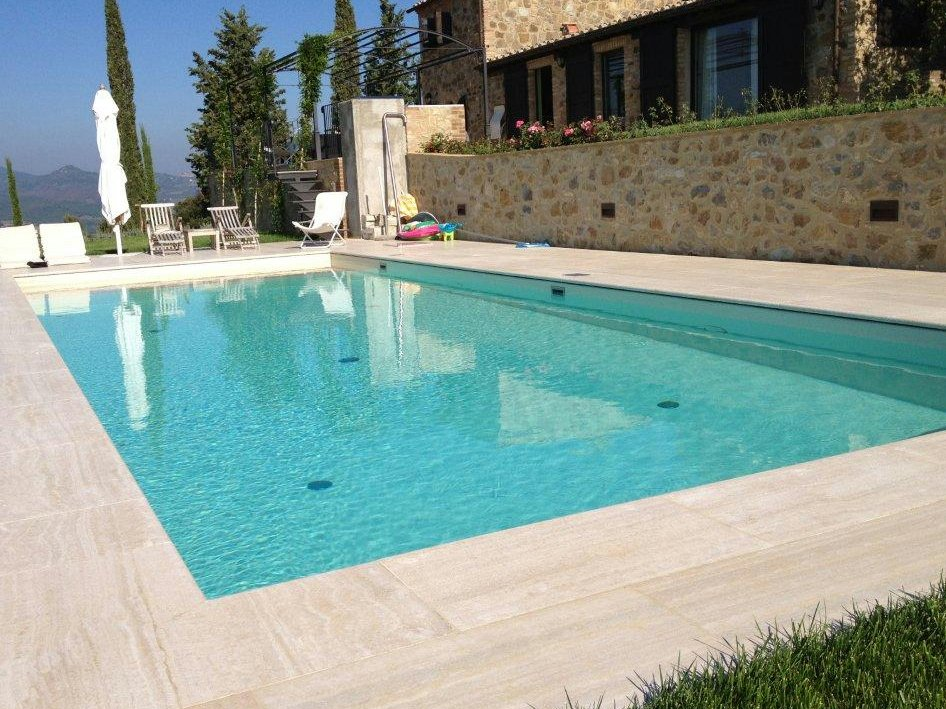 Swimming pool with skimmer by indalo piscine for Piscine skimmer
