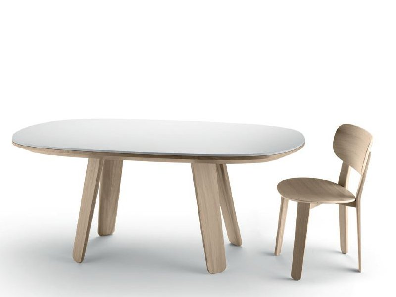 Triku table extensible by alki design samuel accoceberry - Table ovale extensible design ...