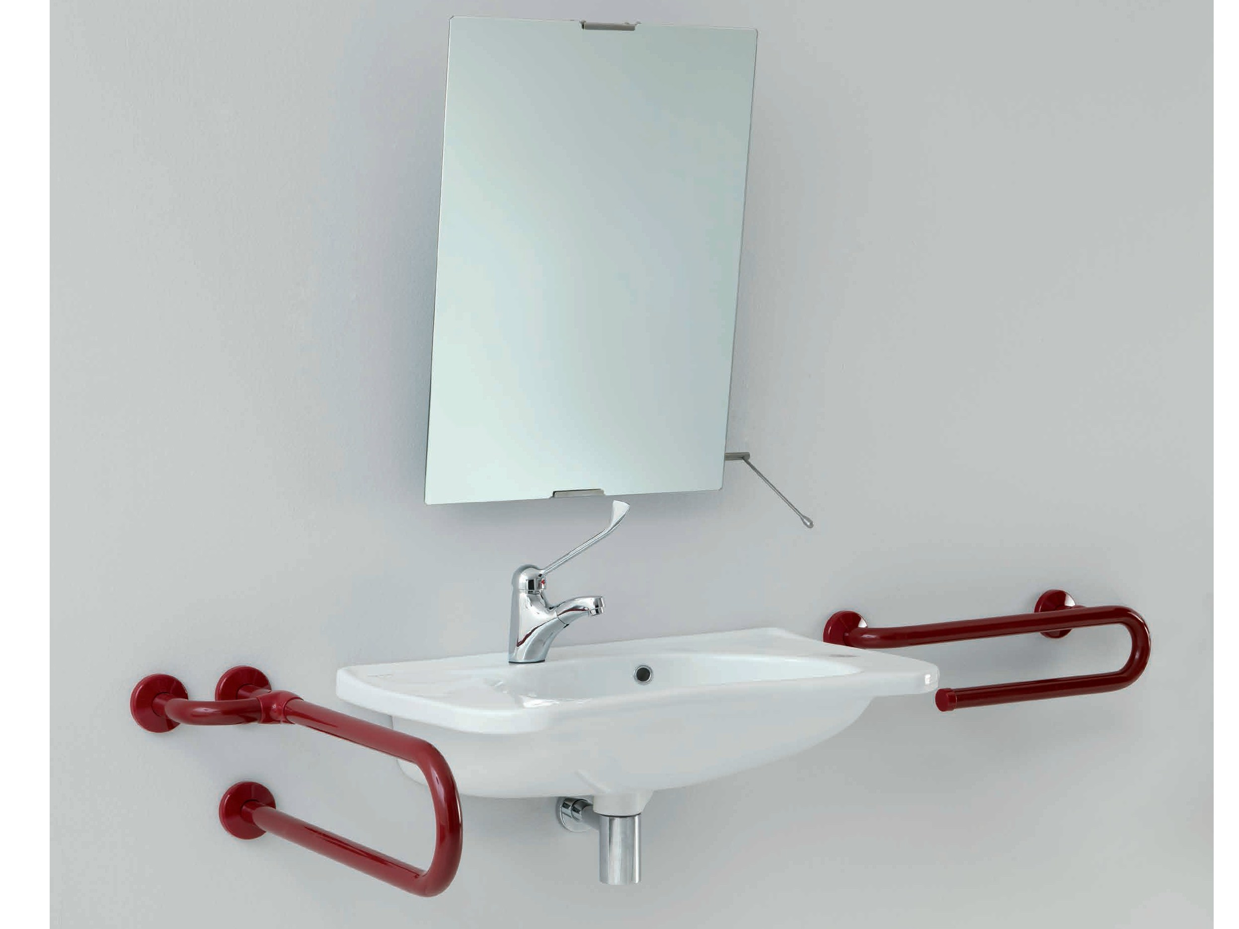 Specchio inclinabile specchio collezione bagnosicuro - Ponte giulio bagno disabili ...