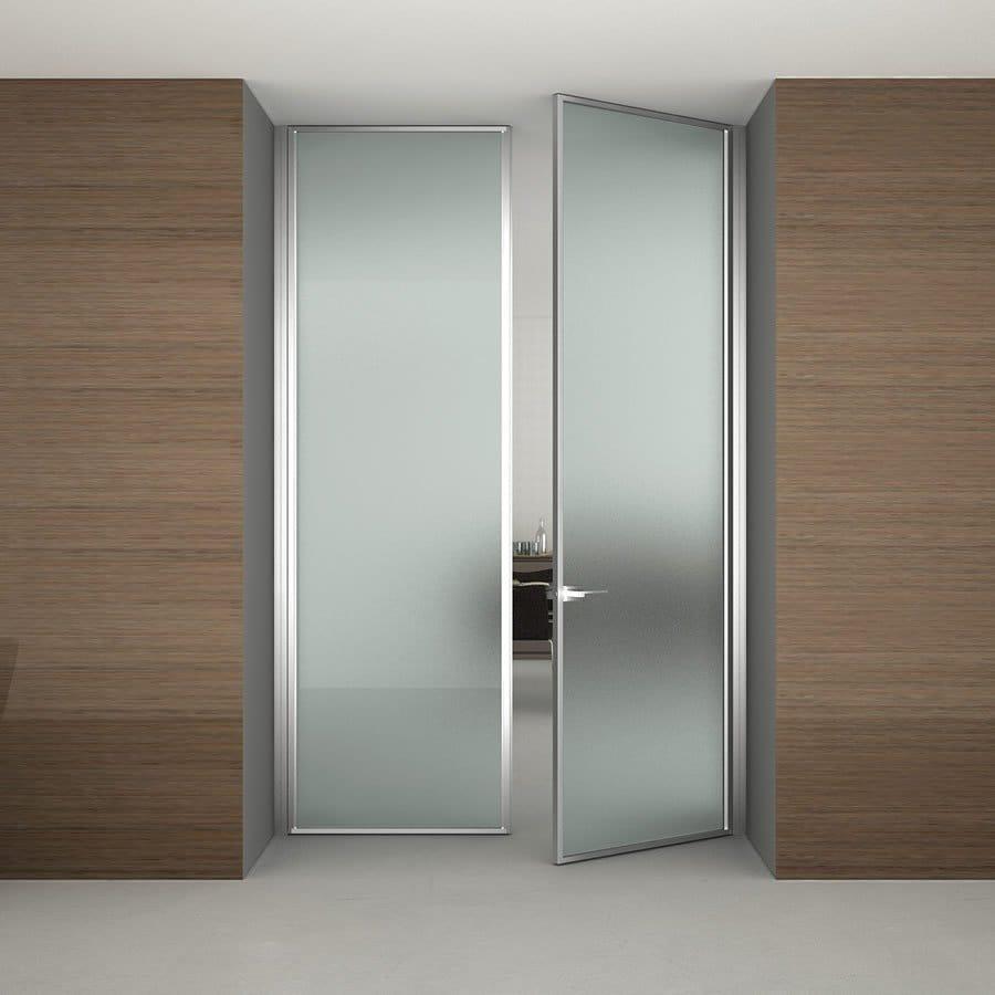 Puerta batiente de vidrio dinamika by adielle - Cristal para puerta ...