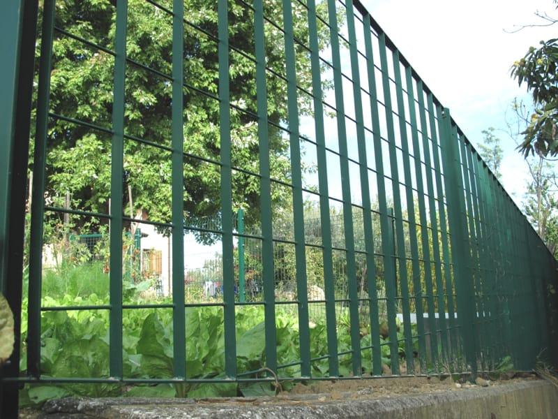 Recinzione modulare in acciaio plusar by baldassar grigliati for Baldassar recinzioni