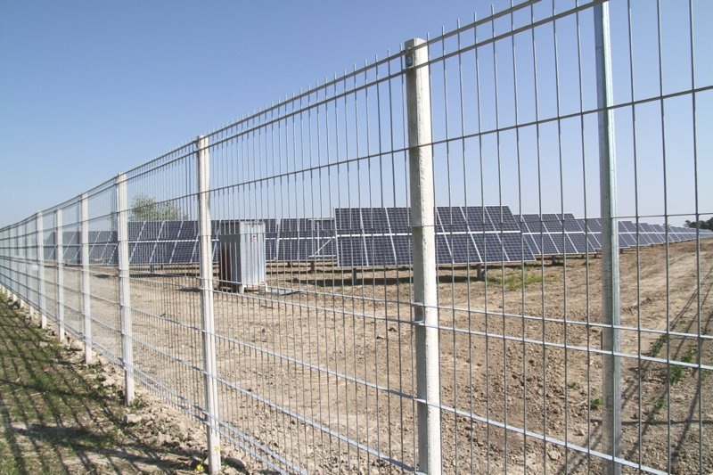 Recinzione modulare in acciaio open by grigliati baldassar for Baldassar recinzioni