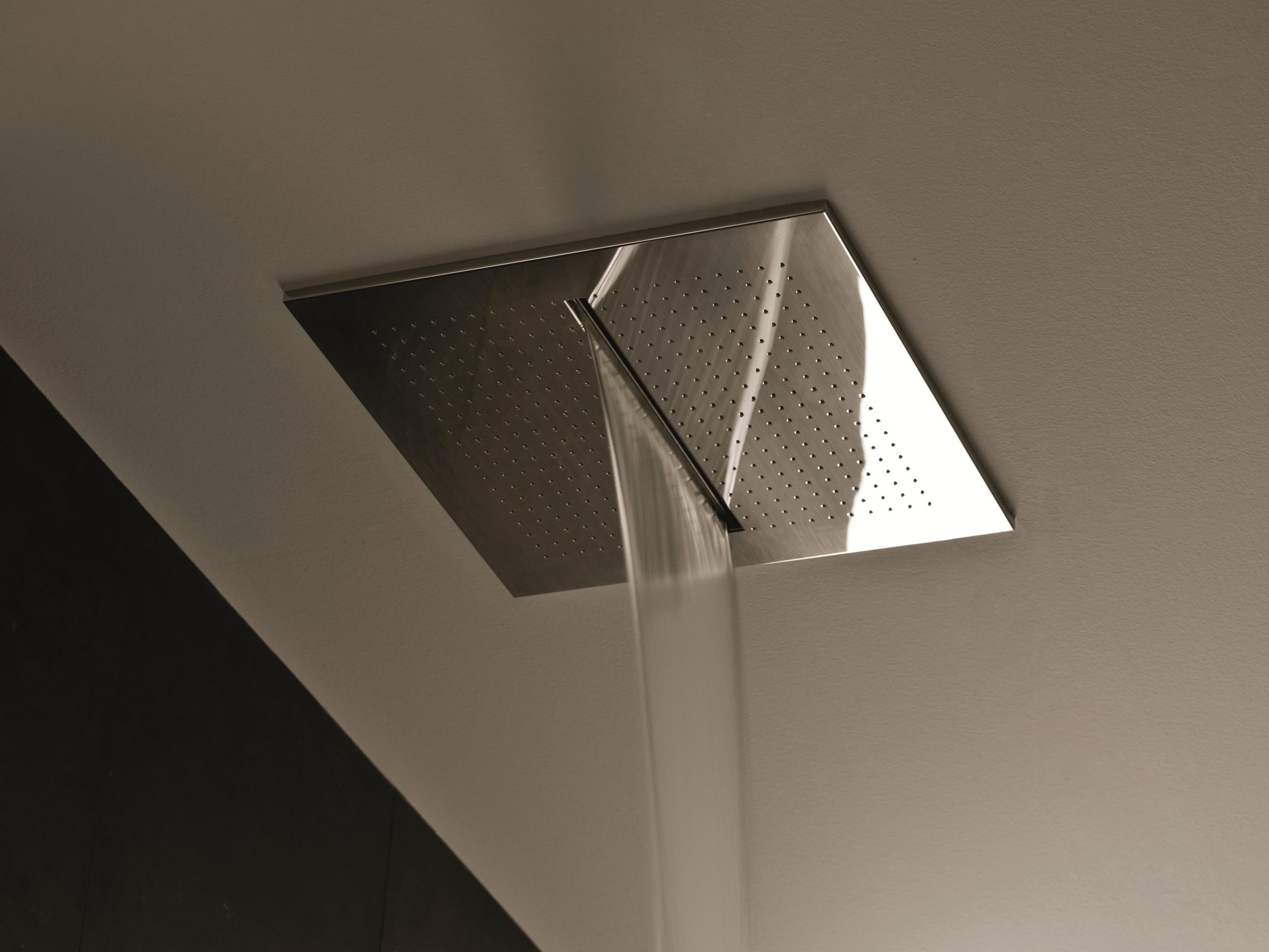 Acqua zone dream overhead shower by fantini rubinetti for Rubinetti design
