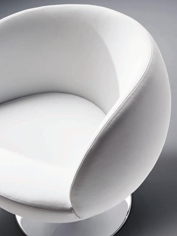 Poltrona girevole a 4 razze matchball 064 by tonon design lepper schmidt sommerlade designer - Architecture moderne residentielle schmidt lepper ...