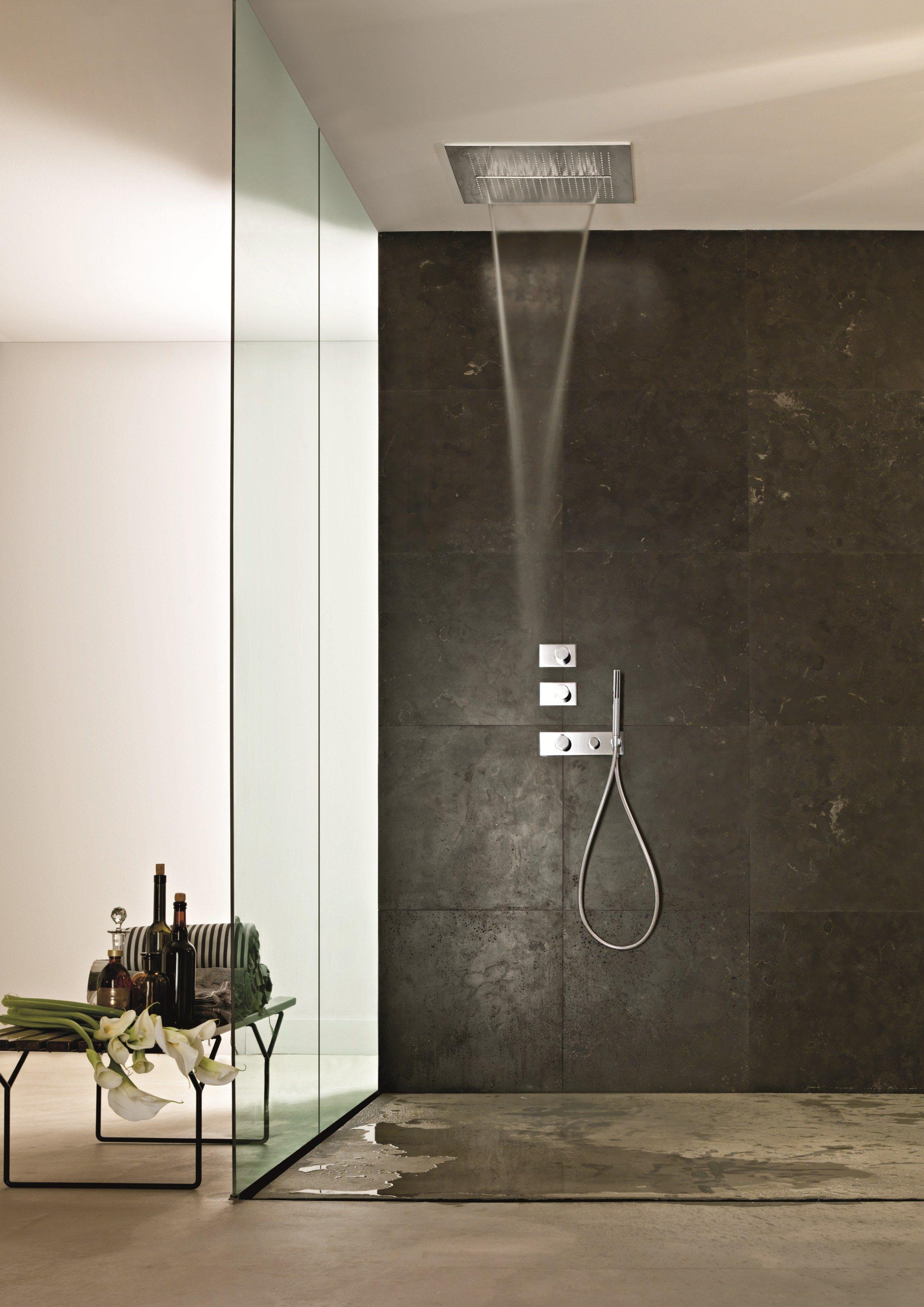 Acqua zone soffione by fantini rubinetti design franco - Dove posizionare soffione doccia ...