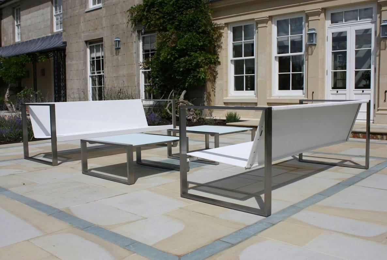 Garten couch quadratischer garten beistelltisch mesita 78 for Gartengestaltung quadratischer garten