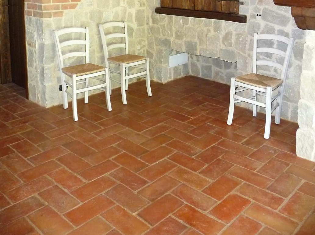 Indoor outdoor quarry flooring handmade terracotta by b b for Indoor outdoor wood flooring