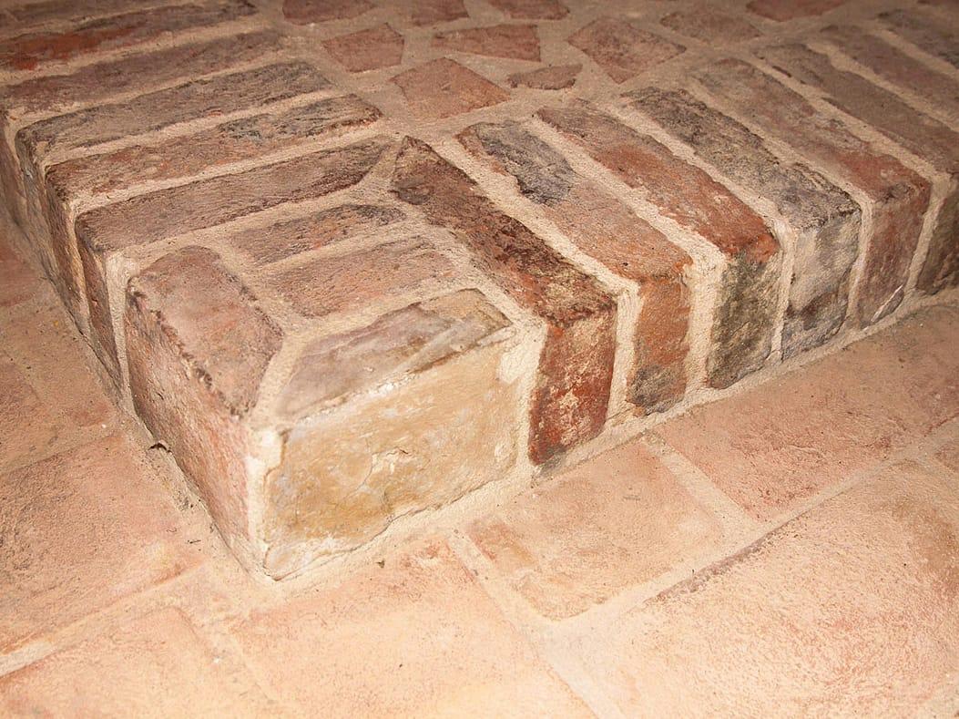 Rev tement de sol en terre cuite pour int rieur et ext rieur handmade terracotta collection for Comcarrelage exterieur terre cuite