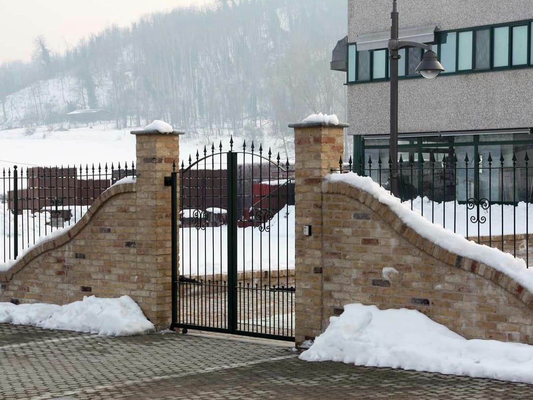 Colonne per cancelli in muratura for Colonne in pietra per cancelli