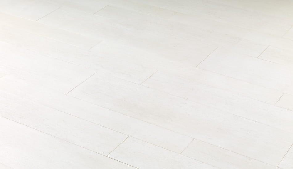 Pavimento antibatterico in gres porcellanato effetto legno per interni ...