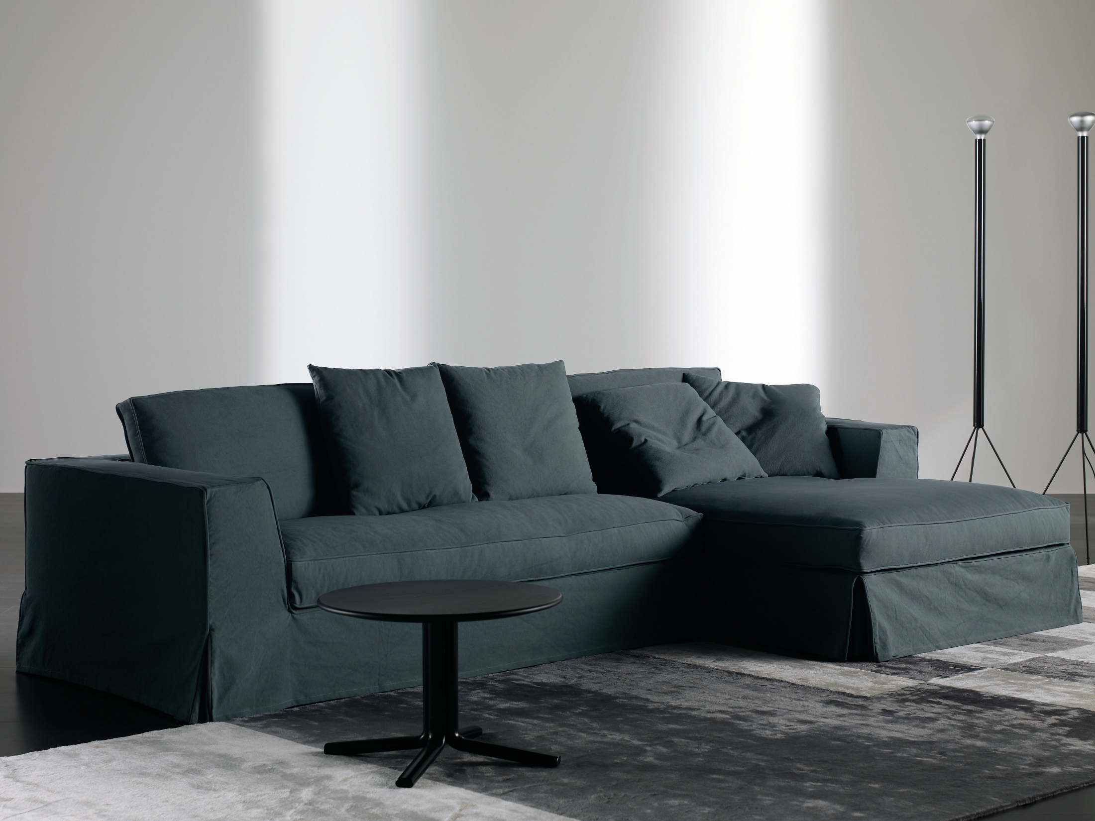 guinness corner sofa by meridiani. Black Bedroom Furniture Sets. Home Design Ideas