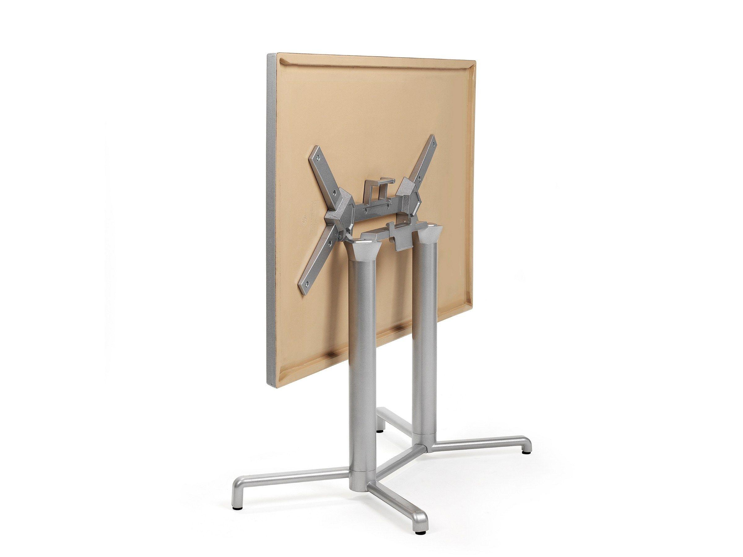 Table de jardin pliante scudo double by nardi design for Table d exterieur pliante