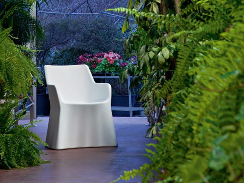 fauteuil de jardin en plastique avec accoudoirs phantom by domitalia design andrea radice. Black Bedroom Furniture Sets. Home Design Ideas