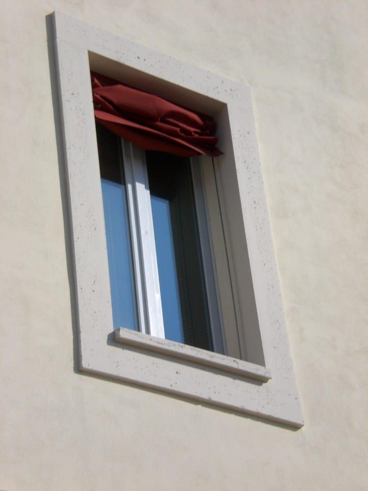 Cornici finestre in cemento