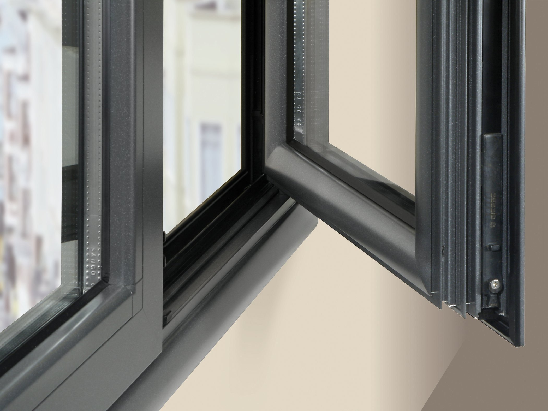 Aluminium thermal break window eku 52 66 tt by profilati for Thermal windows