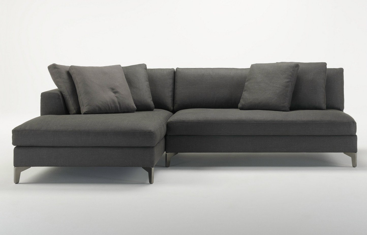 Louis up modular sofa by meridiani for Sofa en l liquidation