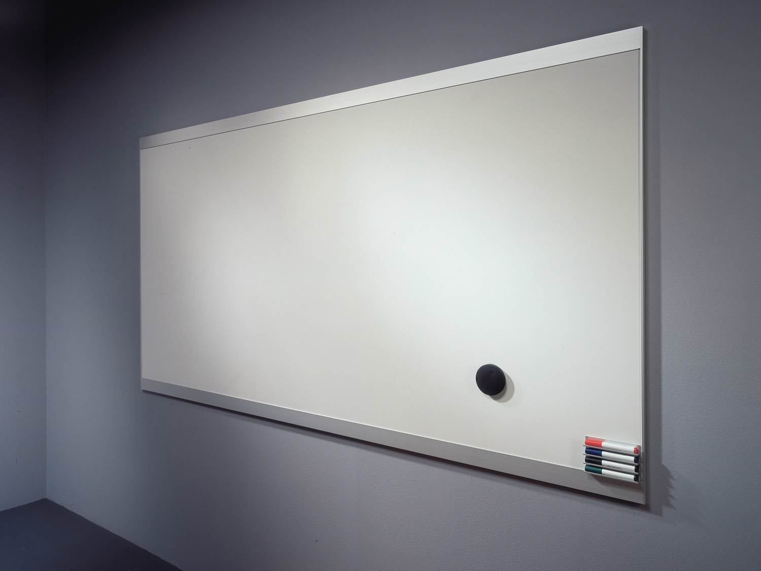Wall-mounted office whiteboard VIP WHITEBOARD by Abstracta ...