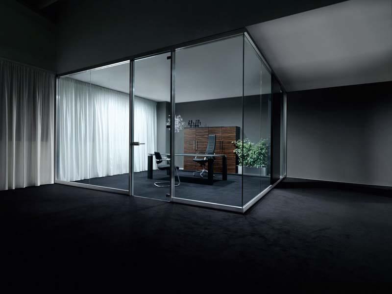 Cloison amovible de bureau en verre sky by sinetica industries for Cloison de separation bureau