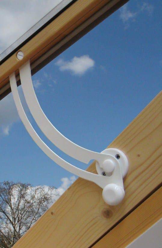 Finestra da tetto luna collezione lucernari per sottotetto for Lucernari da tetto