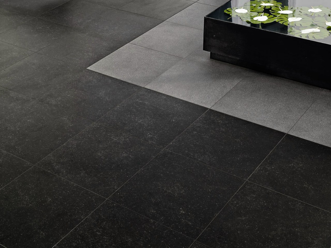 indoor outdoor porcelain stoneware wall floor tiles pierre bleue by marazzi. Black Bedroom Furniture Sets. Home Design Ideas
