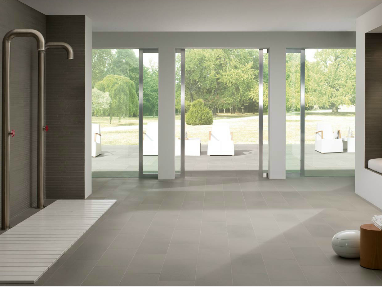 Indoor outdoor wall floor tiles pietra serena by marazzi for Interni casa moderna