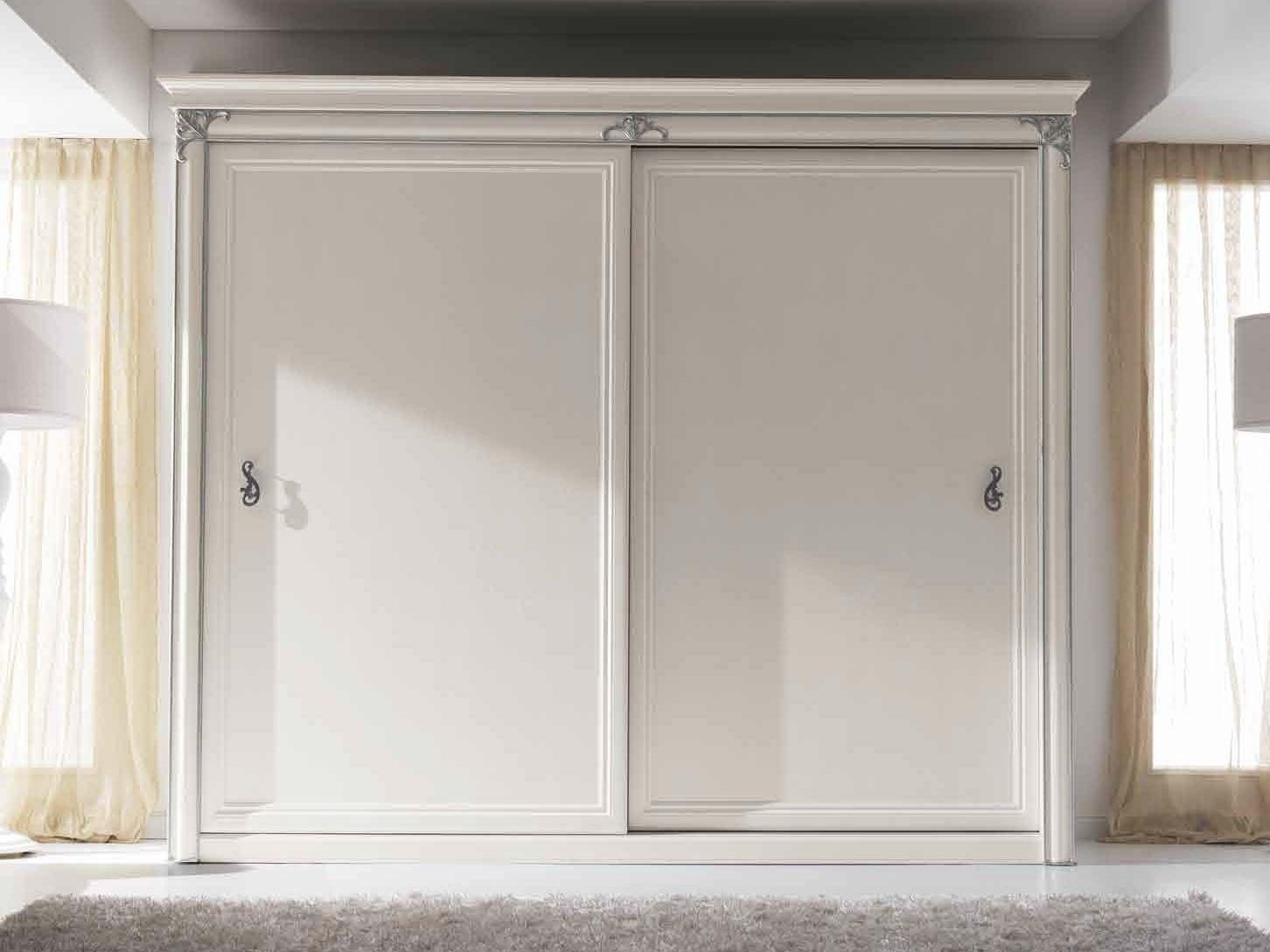 Poner Puertas Correderas Armario Empotrado : Armario de madera con puertas correderas clara by cortezari