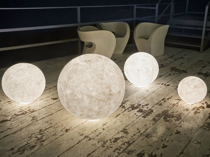 Nebulite floor lamp ex moon by in for Luminaire de jardin led