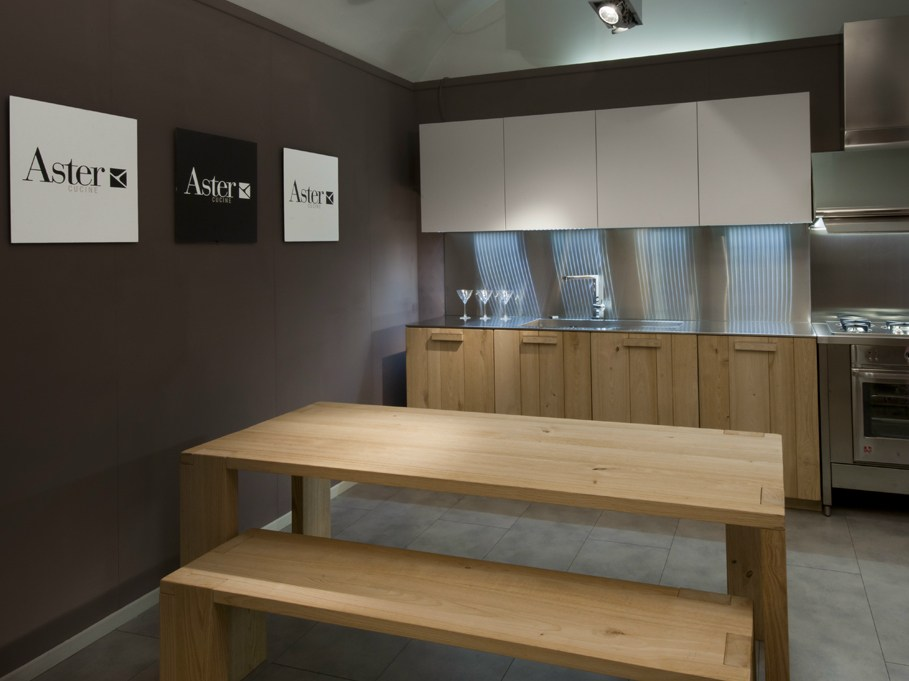Noblesse cucina in legno massello by aster cucine design - Cucine legno massello ...