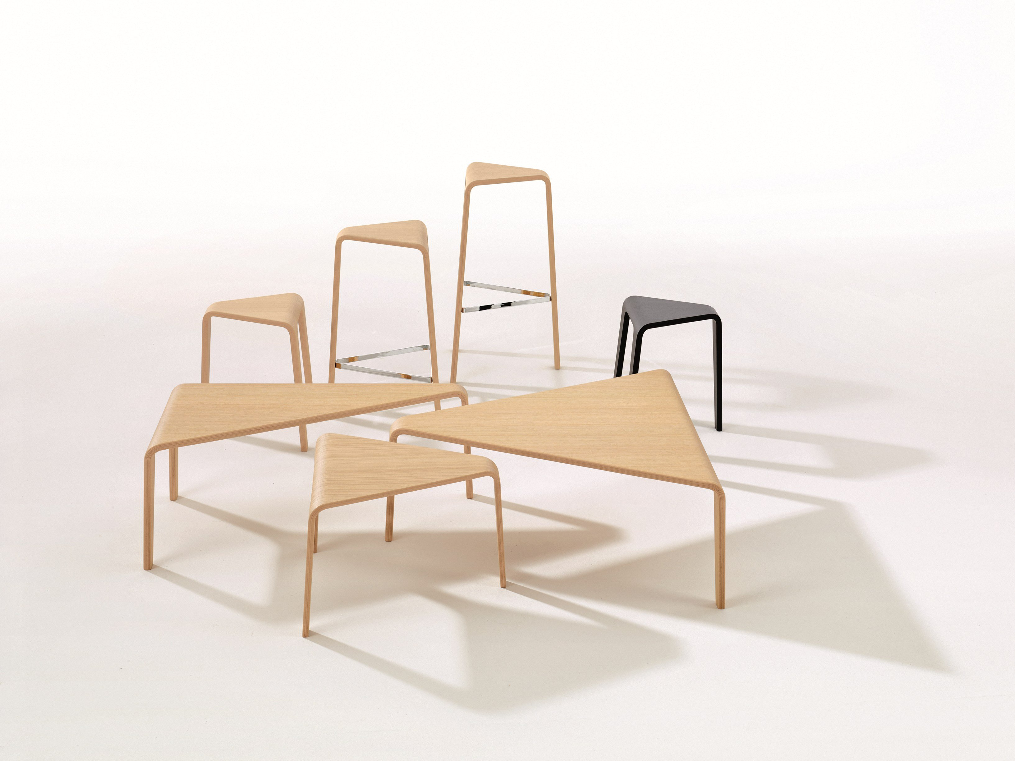 ply  low stool by arper design lievore altherr molina -