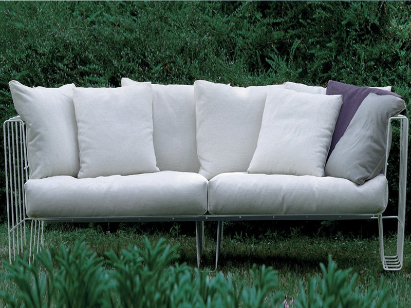 Hoop canap de jardin by living divani design arik levy - Canape de jardin design ...