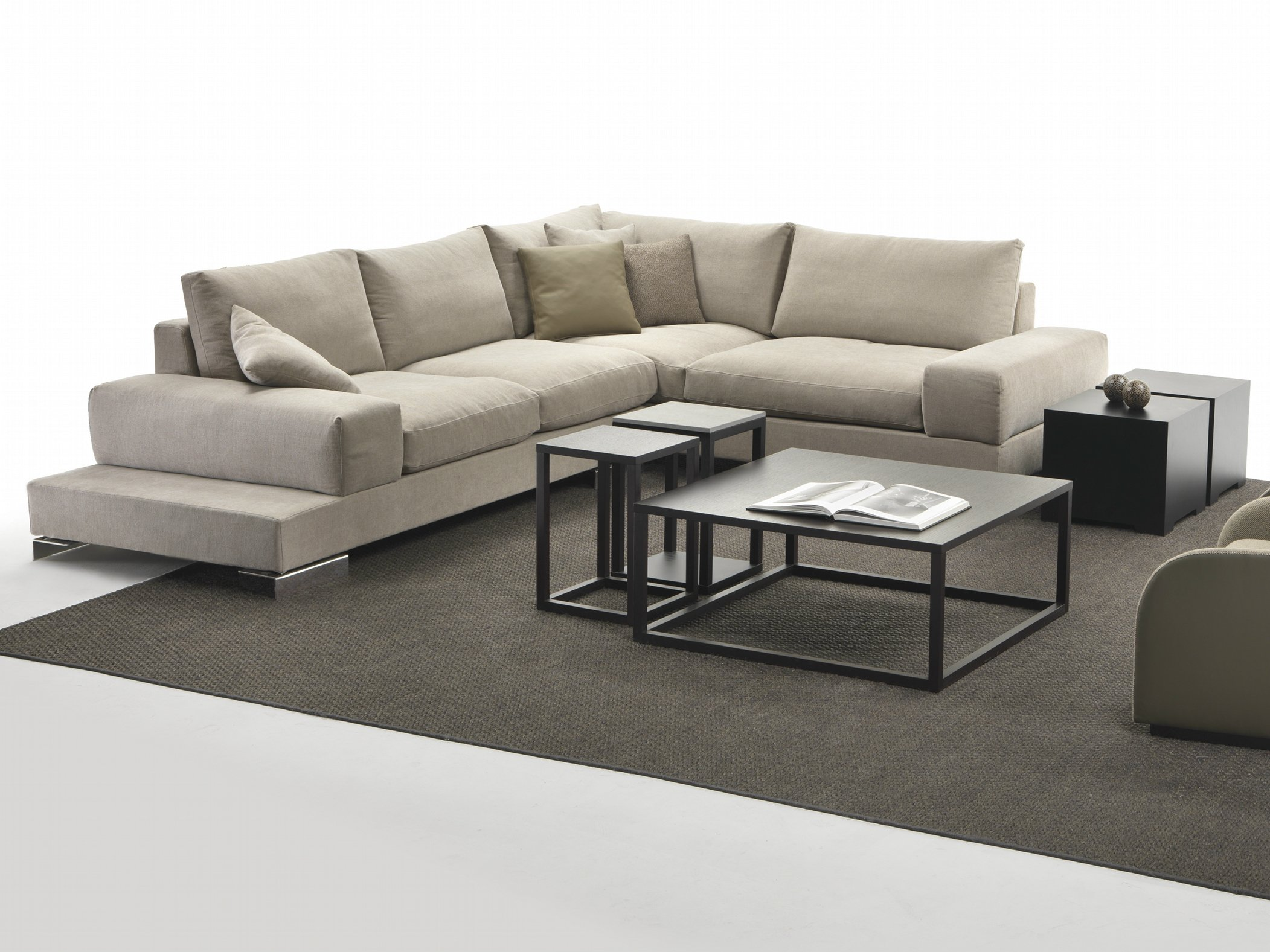Albert canap composable by giulio marelli italia design - Sofas en esquina ...