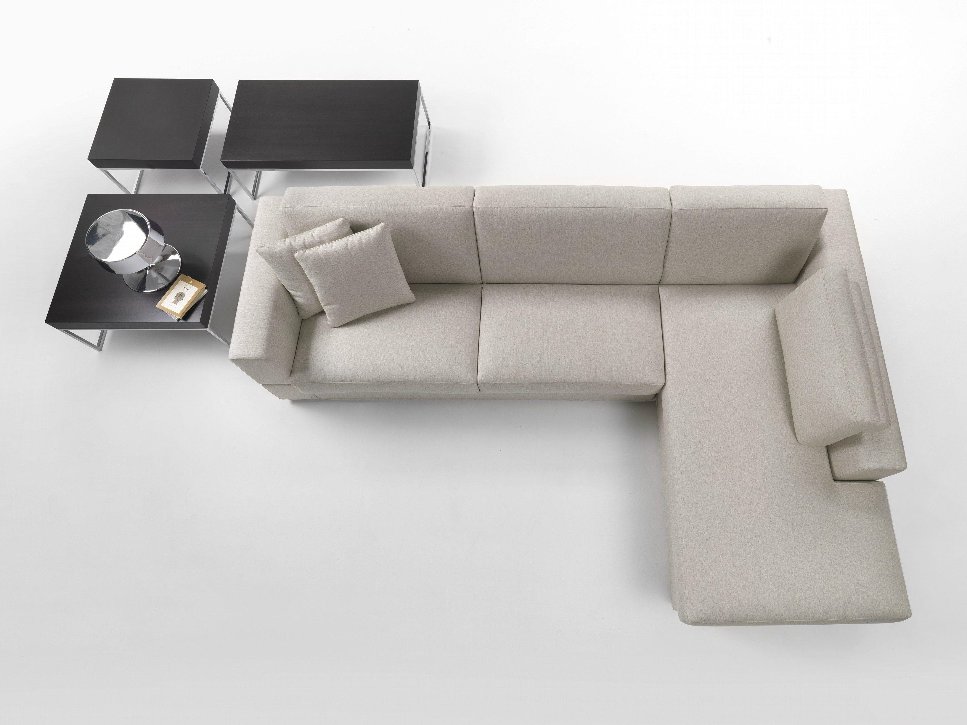 Divano letto angolare in tessuto guest by giulio marelli for Misure divano ad angolo