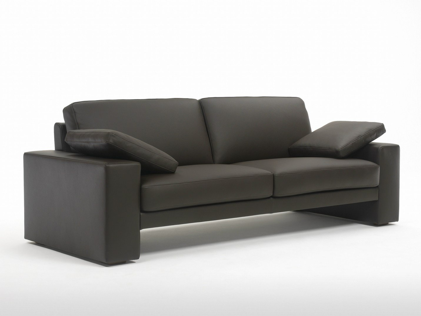 Leather sofa puro by giulio marelli italia design r d studio emme Puro sofa hersteller