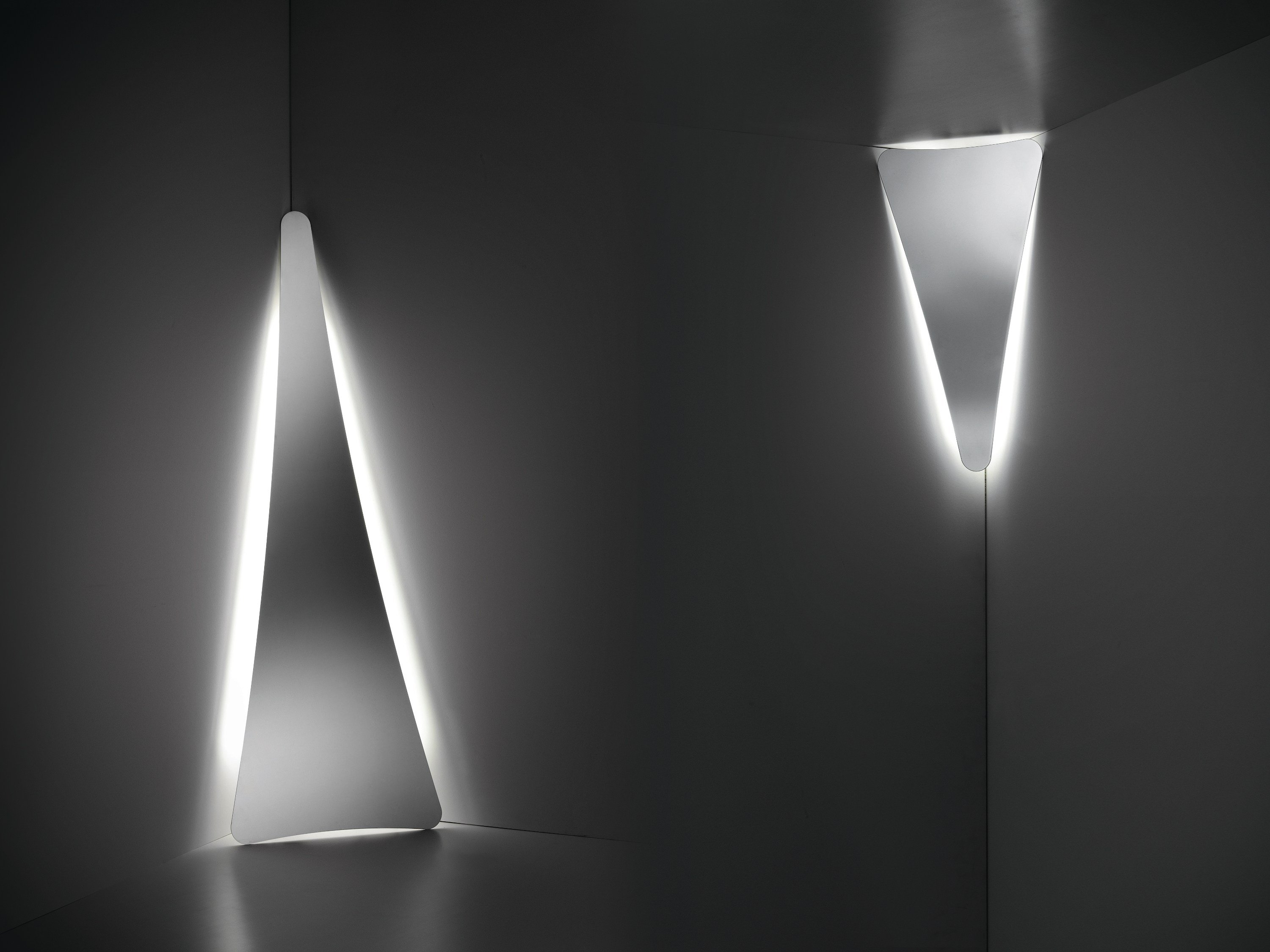 PUNCTUM Lampada da terra by Slamp design Nigel Coates
