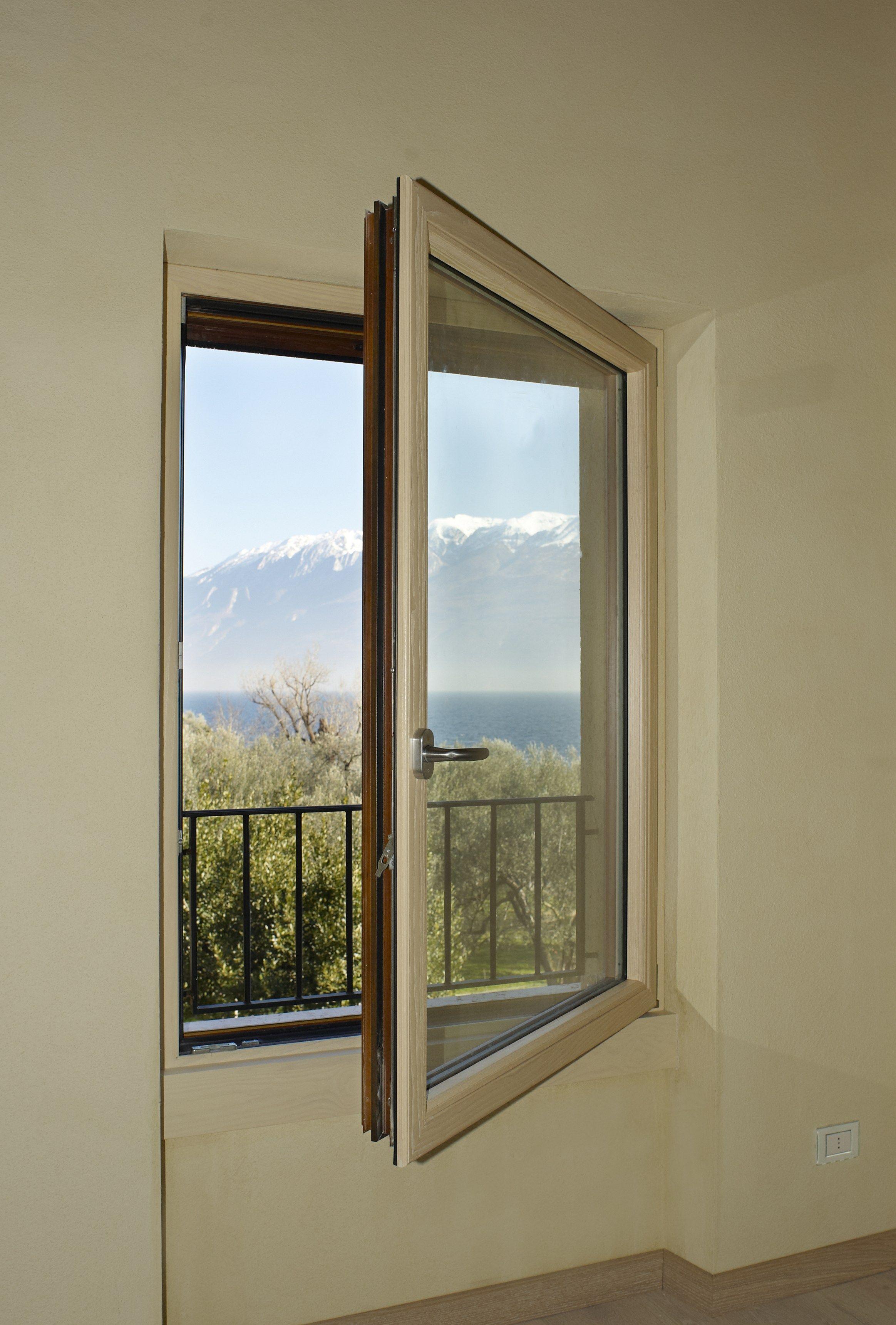 #5D4A31 Flügelfenster aus Aluminium und Holz mit thermischer Trennung AELLE  1880 Janela De Aluminio Revit