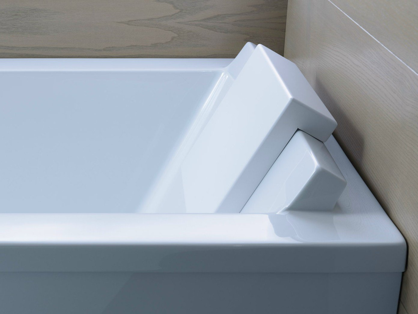 Starck badewanne by duravit design philippe starck for Badewanne design