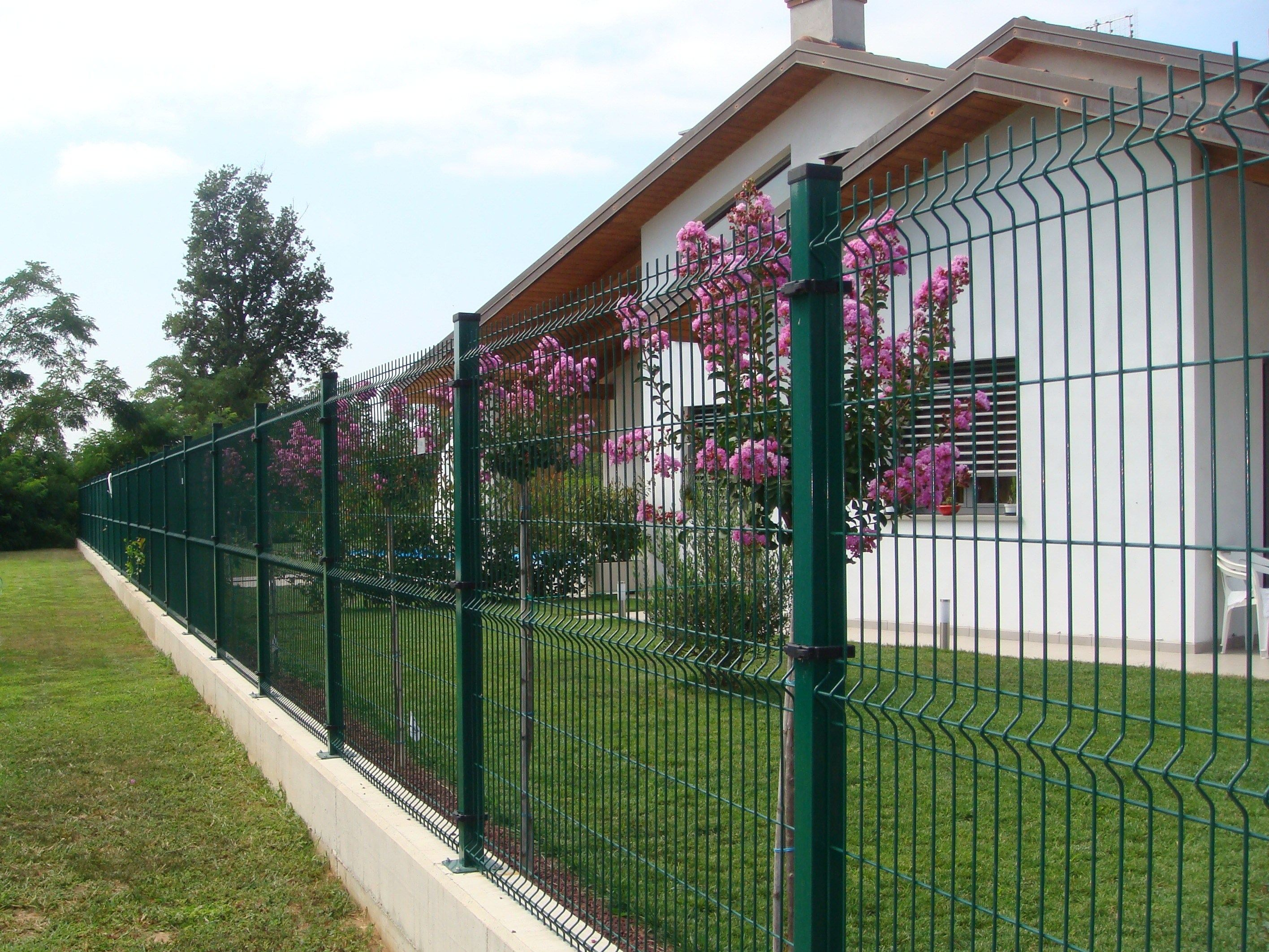 Recinzione in rete elettrosaldata recintha n l by nuova defim for Rete recinzione leroy merlin