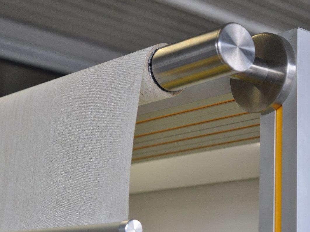 Store enrouleur lectrique pour protection solaire for Store electrique interieur prix