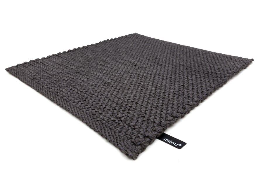Alfombra de fibra sint tica sync flat colecci n synthetic fiber carpets by miinu dise o miinu - Alfombras de fibra ...